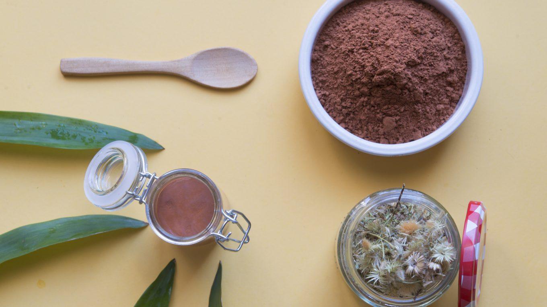 naturalne składniki kosmetyków na trądzik